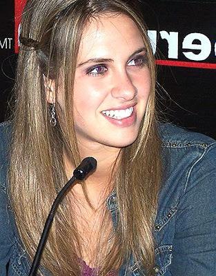 Emilia Drago en plena entrevista por Peru.com