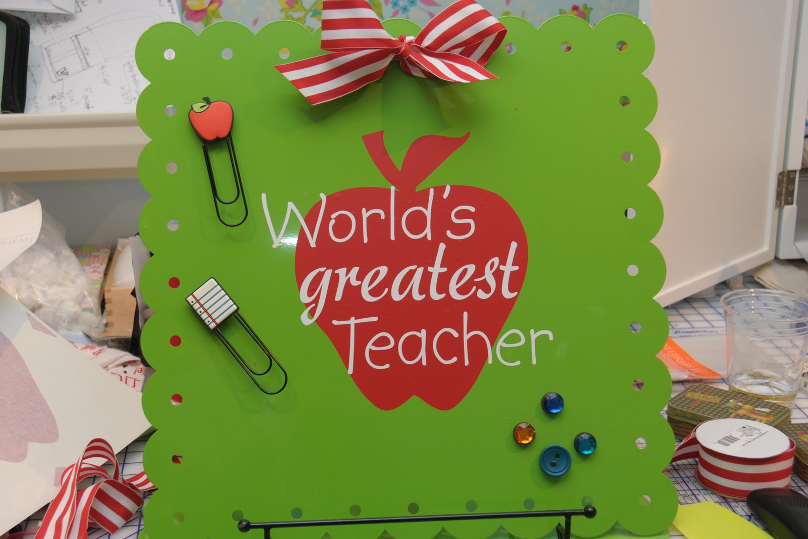 Scrapbook ideas for teachers - Circle Clipboard Covered With Scrapbook Paper With A Movie Gift Card Attached
