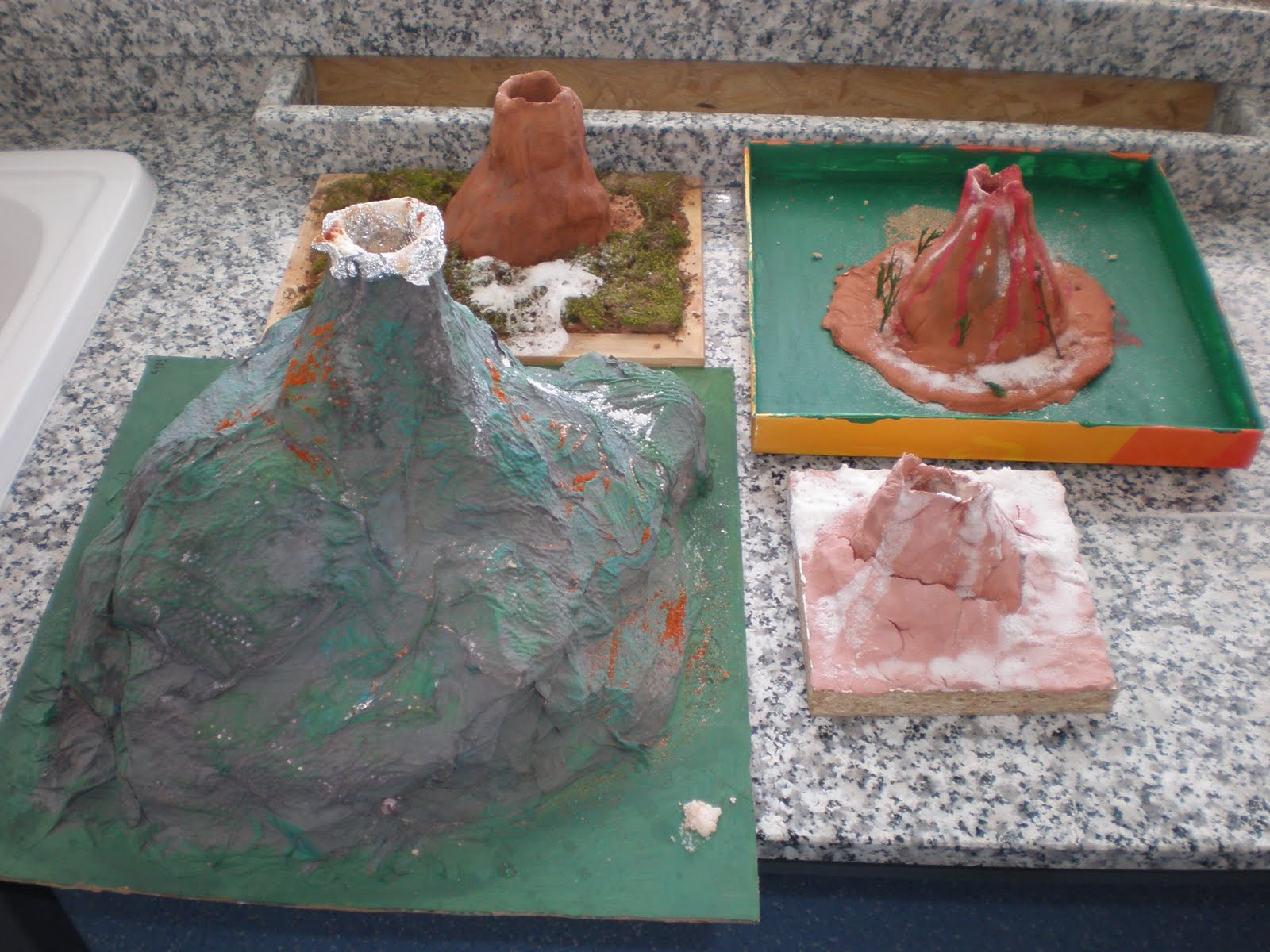 volcan con arcilla en maqueta   apexwallpapers