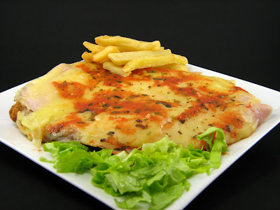 Foods of Uruguay Milanesa a la Napolitana