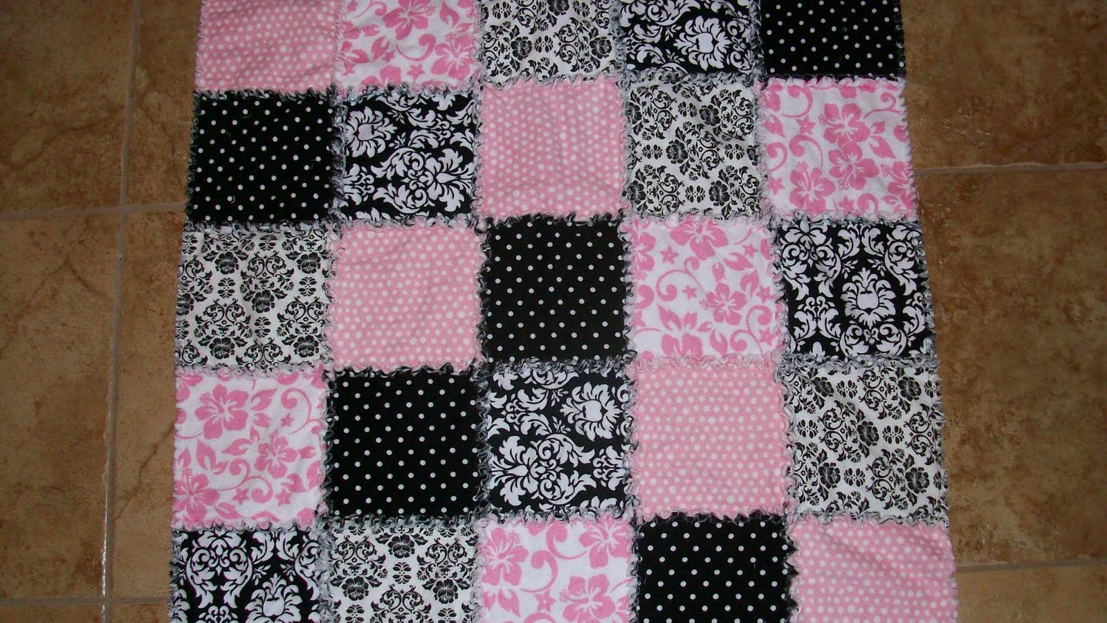 It s a Priceless Life: Easy Rag Quilt