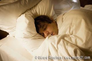 Quem dorme até tarde não é vagabundo, diz a ciência