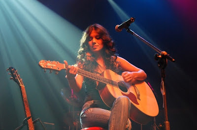 Fotos da cantora Paula Fernandes
