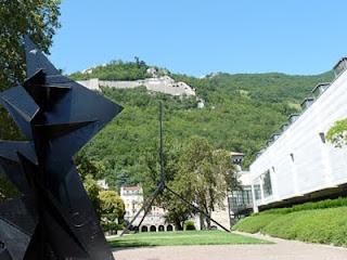 グルノーブル美術館から見たバスティーユ城塞