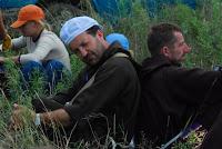 podrzas odpoczynku, za plecami Mirek Ferenc, przewodnik grupy