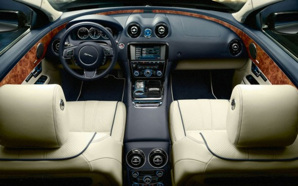 2011 Chevrolet Camaro Convertible Neiman Marcus Interior