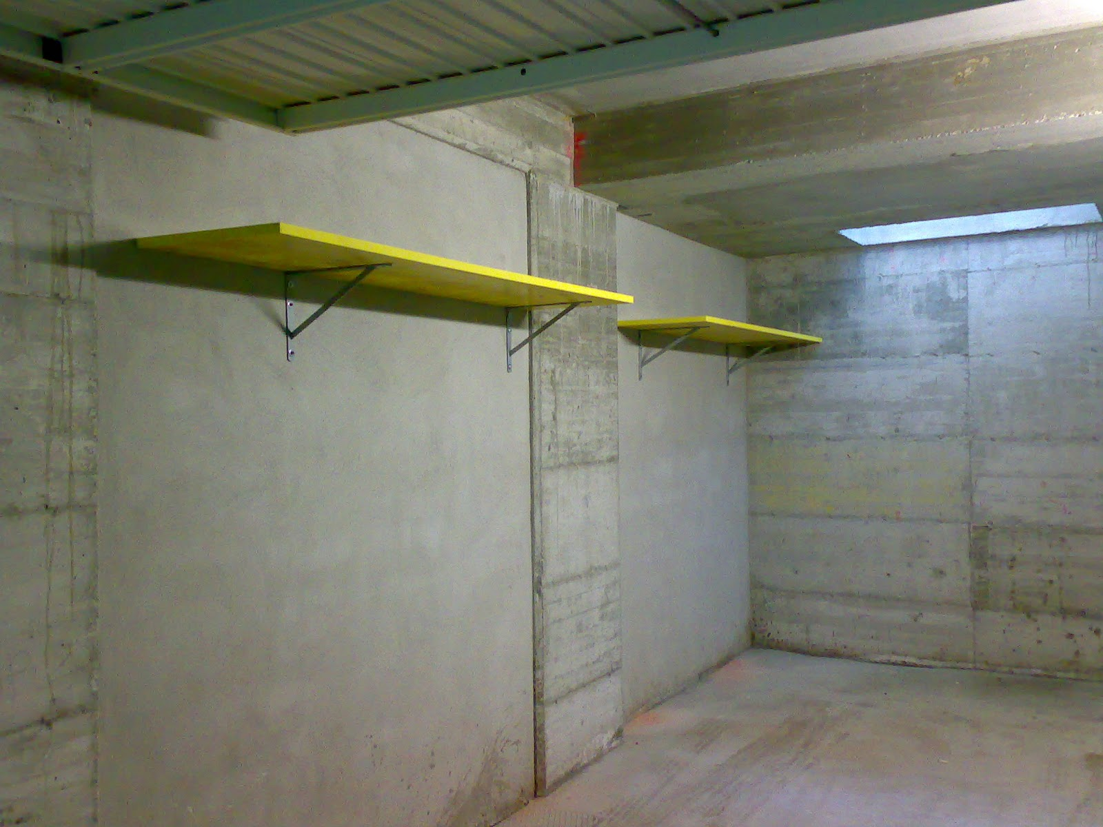 Mygarage allestimento box e garage su misura prodotti for Costruendo un garage per 3 auto
