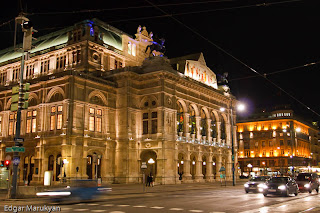 Vienna sightseeing strauss rathhouse opera