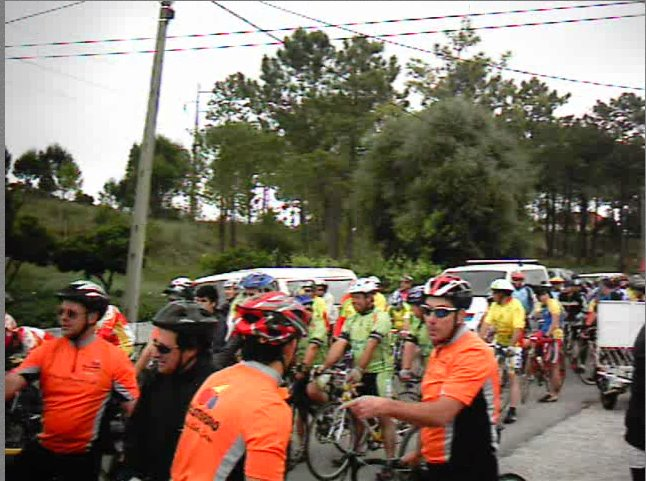 Grupo cicloturismo Rainha santa em primeiro plano-Vila Nova 2008