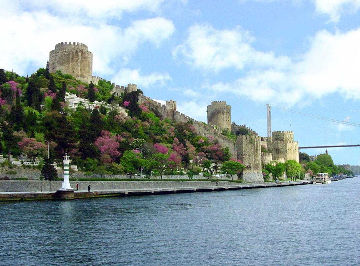 Rumeli Hisarı  istanbul holidays,istanbul turkey,istanbul ...