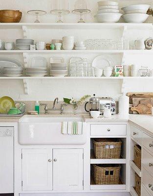 Bianco latte in cucina }   shabby chic interiors
