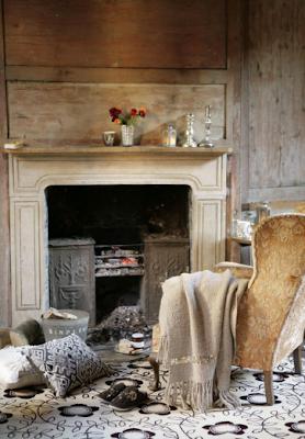 Davanti al fuoco di un camino - Shabby Chic Interiors
