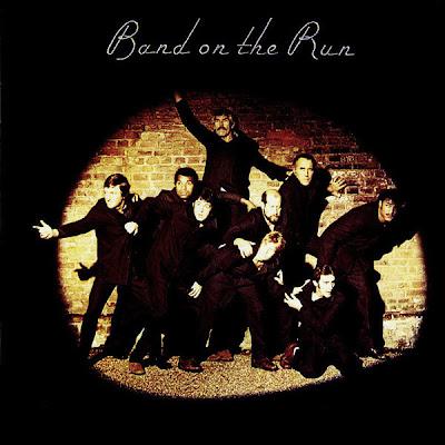 Ce que vous écoutez  là tout de suite Paul_McCartney_%26_Wings-Band_on_the_Run_album_cover