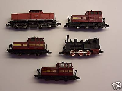 5 maquinas :  3 da Fleischmann 1 arnold e 1 Trix