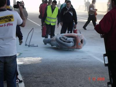 http://1.bp.blogspot.com/_h5L5oN5a0vg/ST16Vs-75kI/AAAAAAAAALI/g3OyPy7UVao/s400/La+moto+que+ardio.JPG