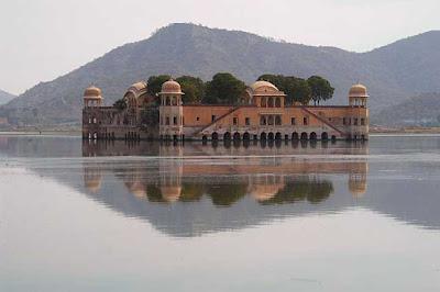 Jaiphur, Jai Mahal Lake Palace