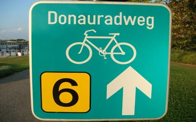 Donauradweg: Danube cycle track