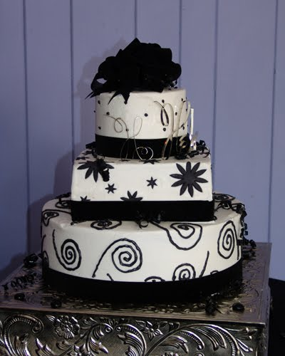 Black  White Wedding Cakes on Black And White Wedding Cakes Decorate Wedding