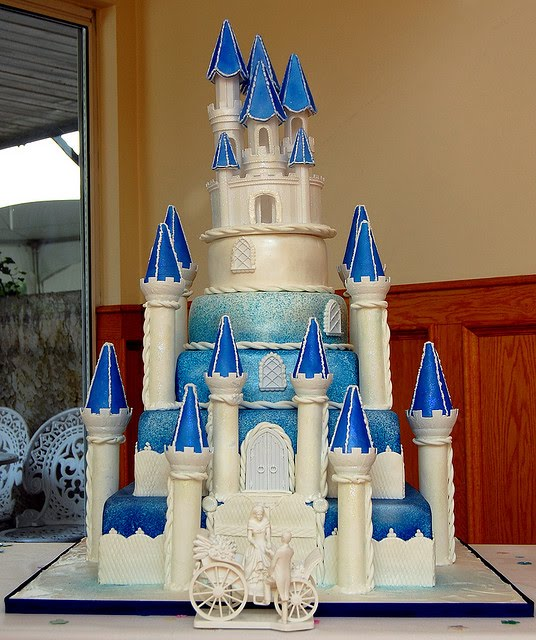 expensive wedding cakes shaped castle food and drink. Black Bedroom Furniture Sets. Home Design Ideas