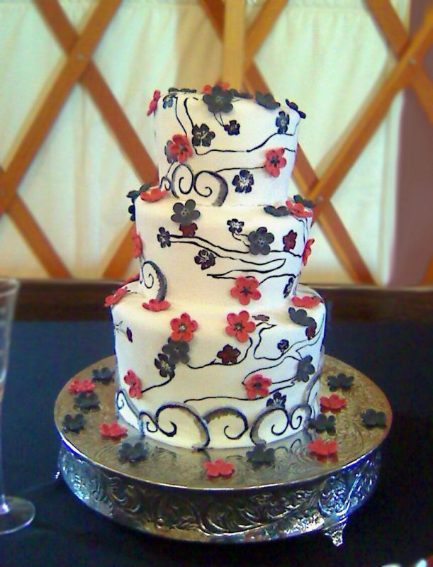 Wedding Cakes With Sakura FlowerWedding