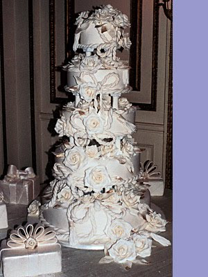 white flower and luxury wedding cake