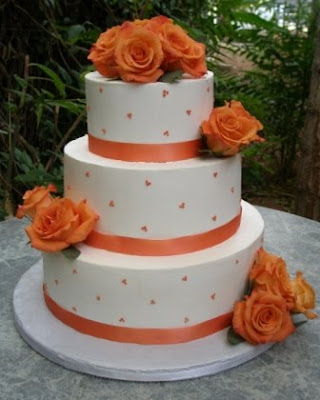 buttercream dots wedding cakes