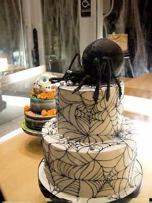 spider wedding cakes