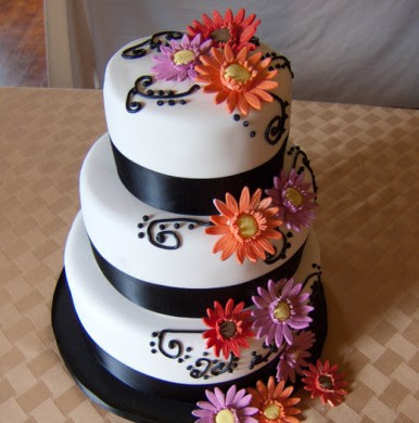 wedding cakes decorate gerbera daisies