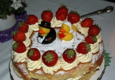 donal duck wedding cake