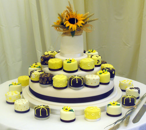 Decorating Ideas for Wedding Cakes