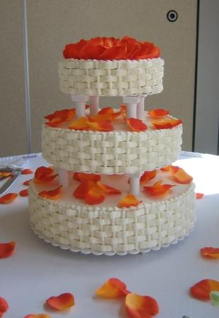 3 Tier Wedding Cakes Is A Fancy Cake