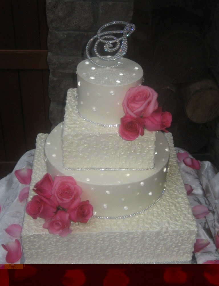 Lilys cakes and breads diamond wedding cakes diamond accessories cakes junglespirit Image collections
