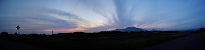 夕暮れの見晴らしの丘