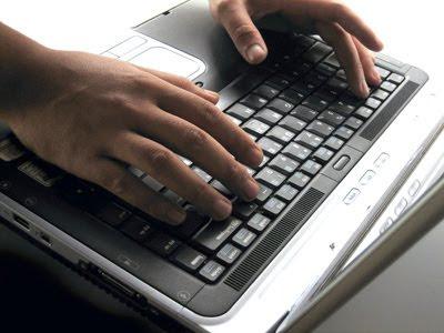 Projeto de lei quer responsabilizar blogueiros por comentários anônimos