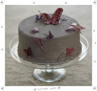... pilih saja diantara gambar gambar kue tart ulang tahun berikut