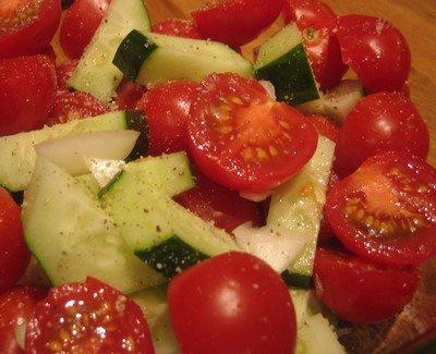 [tomato-cucumber-salad.jpg]