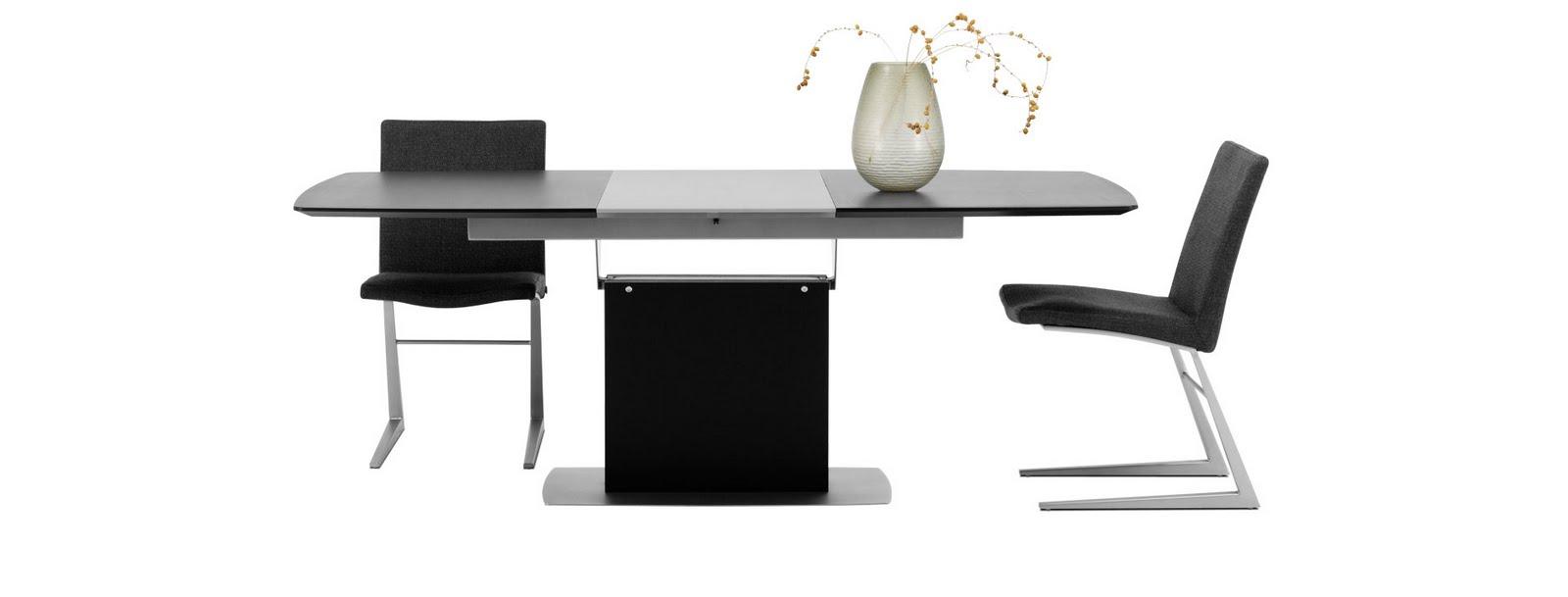 Gravid på östermalm: matsalsbord vardagsrumsbord=boconcept