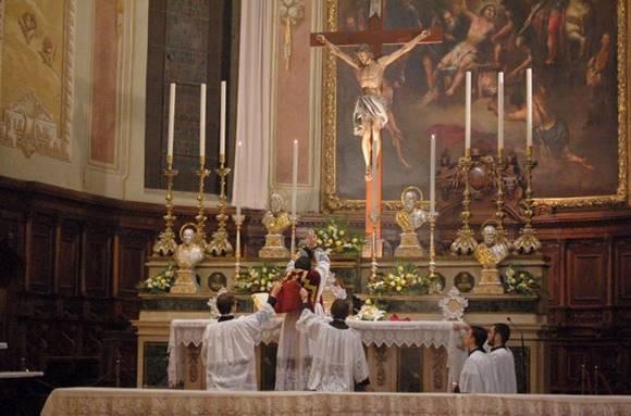 La Santa Misa Tridentina, la Misa de siempre, la de ayer, la de hoy, la del futuro