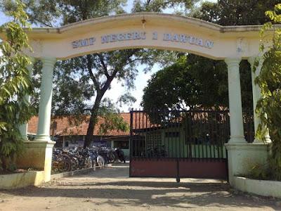 gerbang SMP N 1 Dawuan, Salawana