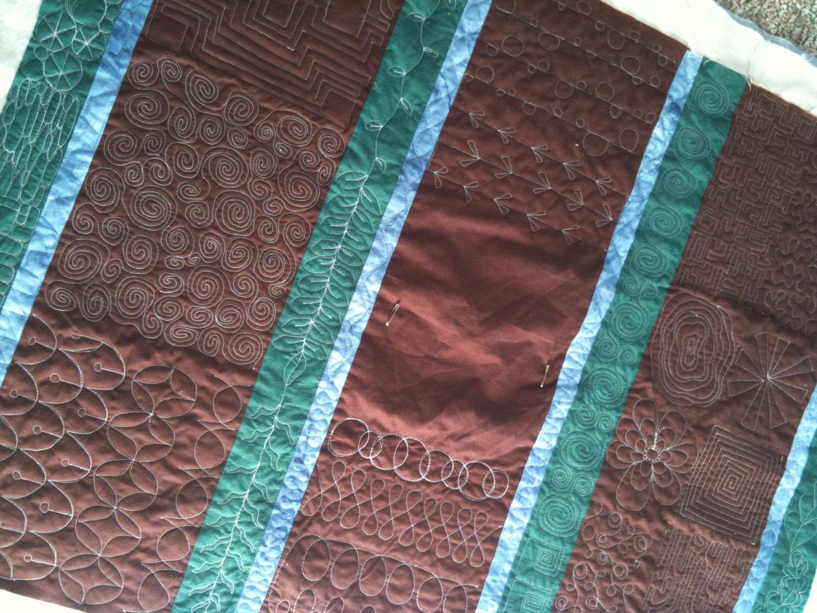 A Few Scraps: Free Motion Quilt Along: Scallops and Echo ...