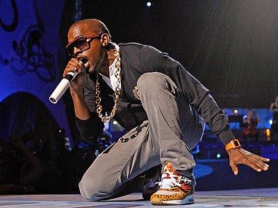 http://1.bp.blogspot.com/_hEqAkVvwtBo/SGOzrju9KzI/AAAAAAAADXU/hkszBzIFYEY/s400/kanye_west.jpg