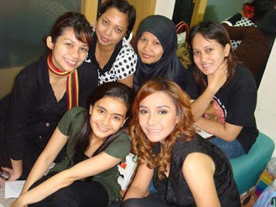 Indonesian celebrities Intan Erlita