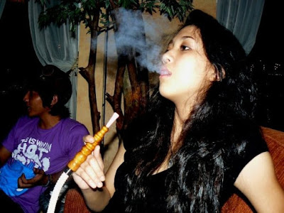 Sherina Munaf - sucking Shisha