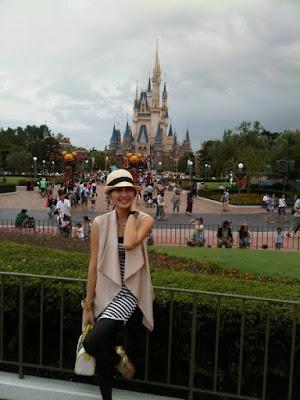 Sandra Dewi in Tokyo Disneyland