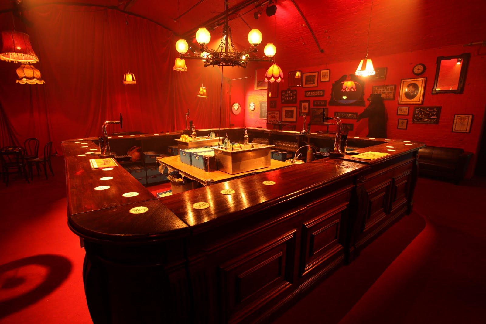 Michael Nikostratos Pub