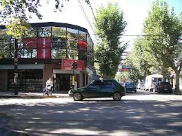 Monte Grande,  sus barrios. Sus negocios