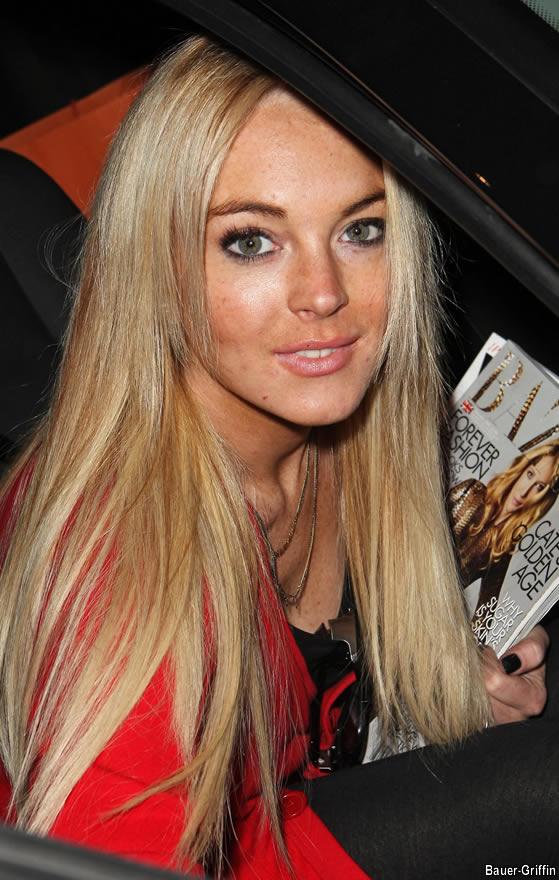 lindsay lohan hairstyles. Lindsay Lohan Has some Problem