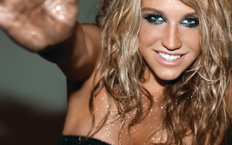 http://1.bp.blogspot.com/_hJLG8m7pqEg/TDwu0av1u-I/AAAAAAAADAg/OMudQO7QLAY/s1600/Kesha+%27%27Ke%24ha%27%27+Sebert1.jpg