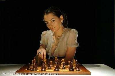 la russe Alexandra Kosteniuk - photo http://www.kosteniuk.com/