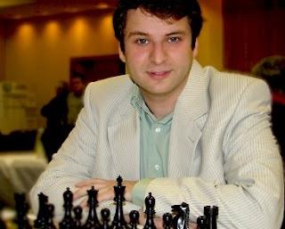 Le Grand-Maître américain d'échecs Yuri Shulman a pris seul la tête au Tournoi international de Montréal